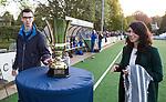BLOEMENDAAL  - Hockey -  finale KNHB Gold Cup dames, Bloemendaal-HDM . Bloemendaal wint na shoot outs. Dennis de Lugt en Yvette van der Horst  . COPYRIGHT KOEN SUYK