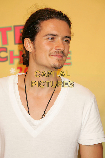 ORLANDO BLOOM.2006 Teen Choice Awards held at the Gibson Amphitheatre, Universal City, California, USA..August 20th, 2006 .Ref: ADM/RE.headshot portrait stubble facial hair.www.capitalpictures.com.sales@capitalpictures.com.©Russ Elliot/AdMedia/Capital Pictures.