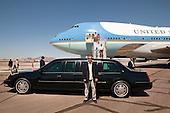 Phoenix, AZ - August 16, 2009 -- United States President Barack Obama, First Lady Michelle Obama and daughters Sasha and Malia arrive at Phoenix Sky Harbor Airport in Phoenix, Arizona, August 16, 2009. .Mandatory Credit: Pete Souza - White House via CNP