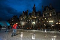 Europe/France/Ile-de-France/75004/Paris: Patinoire devant l'Hôtel de Ville à Noël