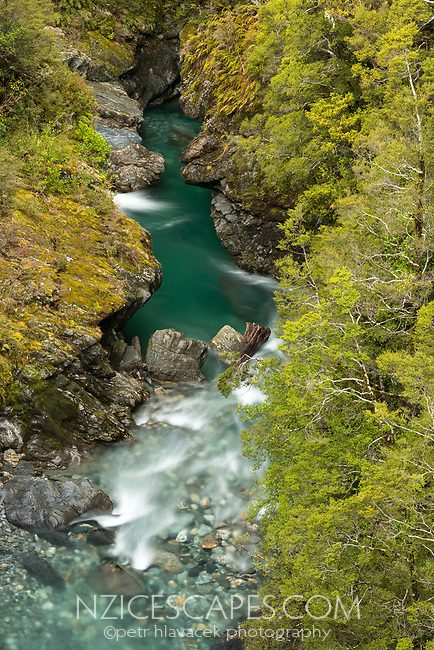 Fish River near Haast Pass, Mt. Aspiring National Park, Central Otago, UNESCO World Heritage Area, New Zealand, NZ