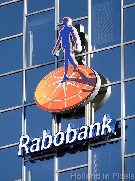 Hoofdkantoor van de Rabobank in Utrecht. Logo op de gevel.