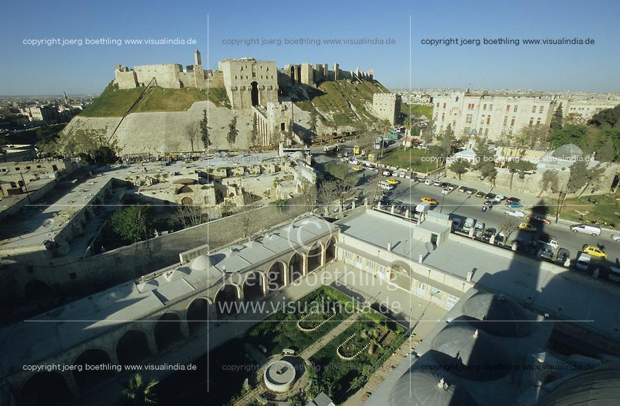 SYRIA, Aleppo, mosque and old citadel in the Ancient City of Aleppo, a UNESCO World Heritage Site since 1986 / SYRIEN Aleppo, Moschee und alte Zitadelle in der Altstadt, die zum UNESCO Welterbe zaehlt