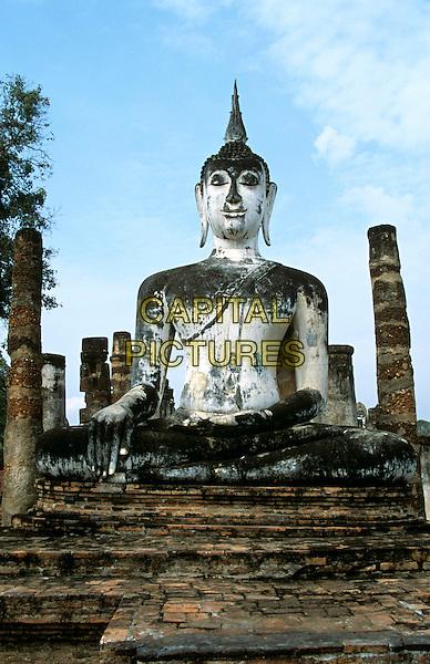 Buddha statue, Wat Mahathat, Sukhothai Historical Park, Sukhothai, Thailand