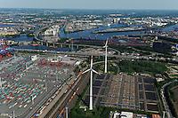 DEUTSCHLAND Hamburg Hafen Eurogate  Containerterminal und Nordex Windraeder des staedtischen Energieversorger Hamburg Energie auf dem Gelaende des Klaerwerk Dradenau von Hamburg Wasser<br /> /<br /> GERMANY Hamburg , harbour Container terminal and Nordex wind turbine