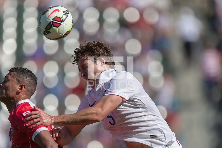 Carson, CA - Sunday, February 8, 2015: Matt Besler (5) of the USMNT. The USMNT defeated Panama 2-0 during an international friendly at the StubHub Center