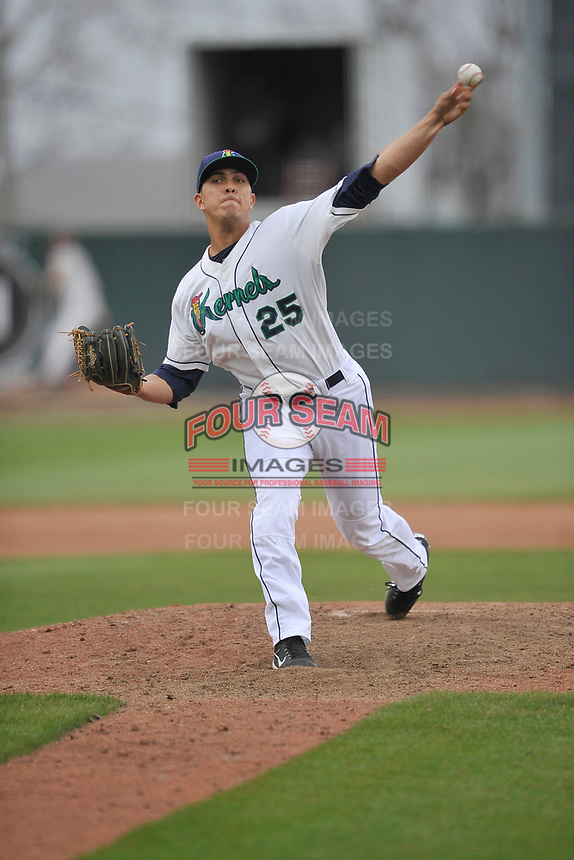 Cedar Rapids Kernels hurler Andrew Vasquez (25) in action during a game against the Beloit Snappers at Veterans Memorial Stadium on April 8, 2017 in Cedar Rapids, Iowa.  The Snappers won 7-6.  (Dennis Hubbard/Four Seam Images)
