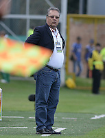 BOGOTÁ -COLOMBIA, 26-07-2014. Nestor Otero técnico de La Equidad gesticula durante partido contra Millonarios por la fecha 2 de la Liga Postobón II 2014 jugado en el estadio de Techo de la ciudad de Bogotá./ La Equidad coach Nestor Otero gestures during match against Millonarios for the second date of the Postobon League II 2014 played at Metropolitano de Techo stadium in Bogotá city. Photo: VizzorImage/ Gabriel Aponte / Staff