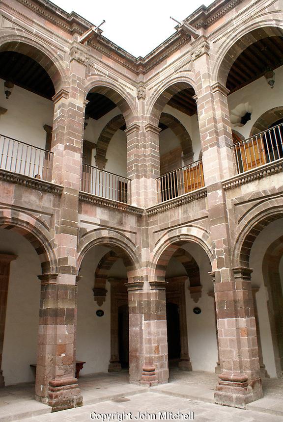 Interior courtyard of the Casa Allende or Museo Historico de San Miguel de Allende in San Miguel de Allende, Mexico. San Miguel de Allende is a UNESCO World Heritage Site.....