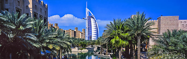 Panorama - The Burj al Arab Hotel, Dubai, United Arab Emirates<br />