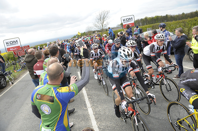 The peloton summit C&ocirc;te de Garrowby Hill during Stage 1 of the Tour de Yorkshire 2017 running 174km from Bridlington to Scarborough, England. 28th April 2017. <br /> Picture: ASO/P.Ballet | Cyclefile<br /> <br /> <br /> All photos usage must carry mandatory copyright credit (&copy; Cyclefile | ASO/P.Ballet)