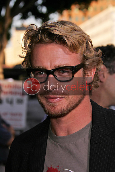 Simon Baker<br /> at the premiere of Universal's &quot;Land of the Dead,&quot; Mann National Theater, Westwood, CA 06-20-05<br /> David Edwards/DailyCeleb.Com 818-249-4998
