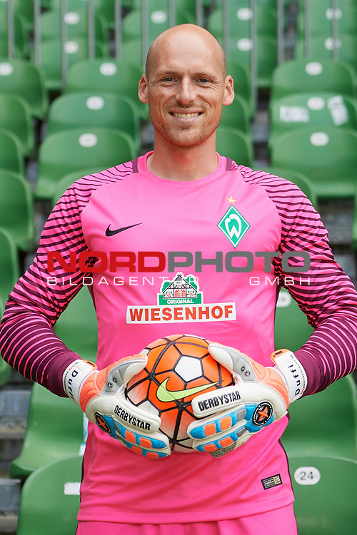Fu&szlig;ball, GER, /3.Liga, Portr&auml;ttermin 2017/2018,<br /> <br /> Tobias Duffner (SV Werder Bremen U23 #22)<br /> <br /> Foto &copy; nordphoto / Kokenge