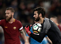 Calcio, Serie A: Roma, stadio Olimpico, 14 ottobre 2017.<br /> Roma's goalkeeper Alisson Becker in action during the Italian Serie A football match between Roma and Napoli at Rome's Olympic stadium, October14, 2017.<br /> UPDATE IMAGES PRESS/Isabella Bonotto