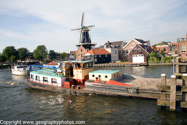 Moulin de Adriaan windmill, Haarlem, Holland