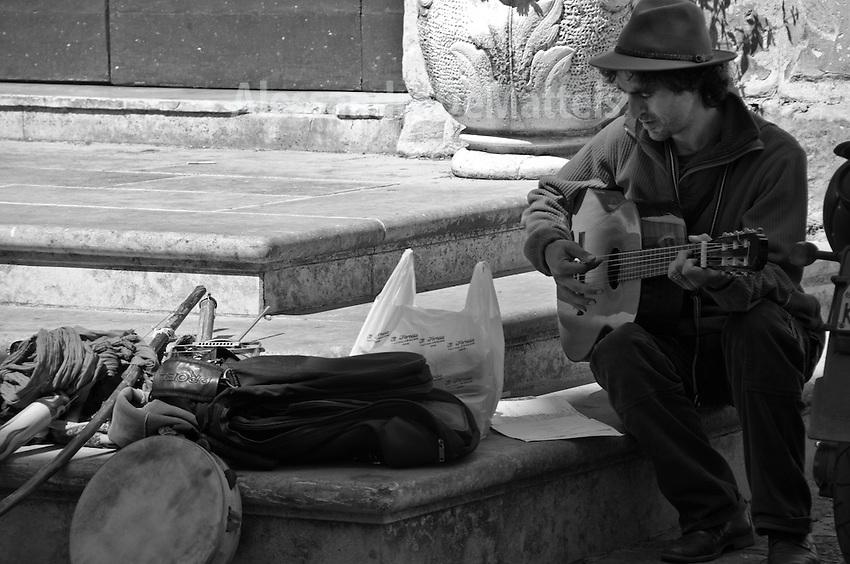 """Musicista di strada - Progetto """"Margini"""""""