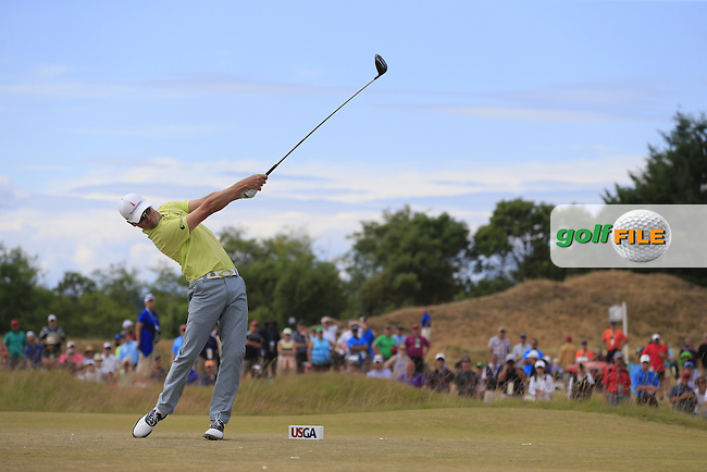 Zach JOHNSON (USA) tees off the 4th tee during Thursday's Round 1 of the 2015 U.S. Open 115th National Championship held at Chambers Bay, Seattle, Washington, USA. 6/18/2015.<br /> Picture: Golffile | Eoin Clarke<br /> <br /> <br /> <br /> <br /> All photo usage must carry mandatory copyright credit (&copy; Golffile | Eoin Clarke)