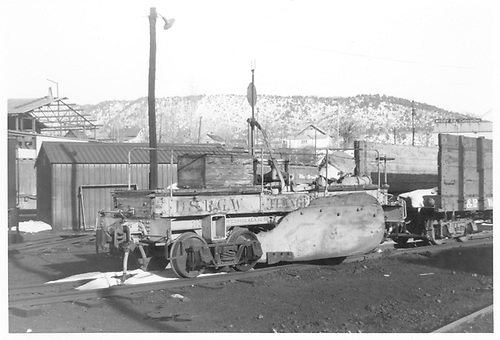 3/4 view of D&amp;RGW flanger #OD, maybe at Durango.<br /> D&amp;RGW  Durango ?, CO