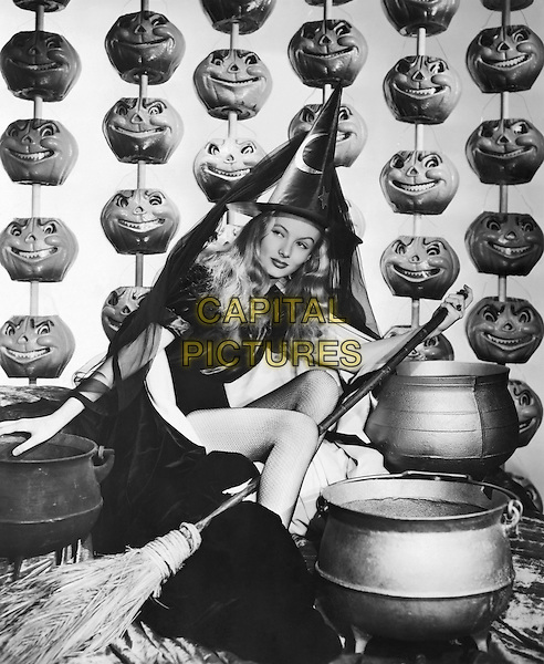 I Married a Witch (1942) <br /> Veronica Lake<br /> *Filmstill - Editorial Use Only*<br /> CAP/KFS<br /> Image supplied by Capital Pictures