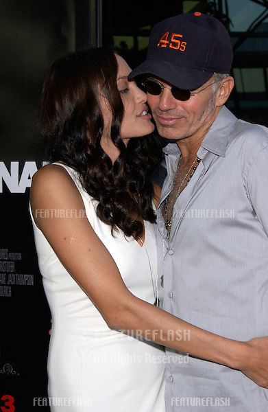 Actress ANGELINA JOLIE & actor husband BILLY BOB THORNTON at the world premiere, in Los Angeles, of her new movie Original Sin..31JUL2001. © Paul Smith/Featureflash