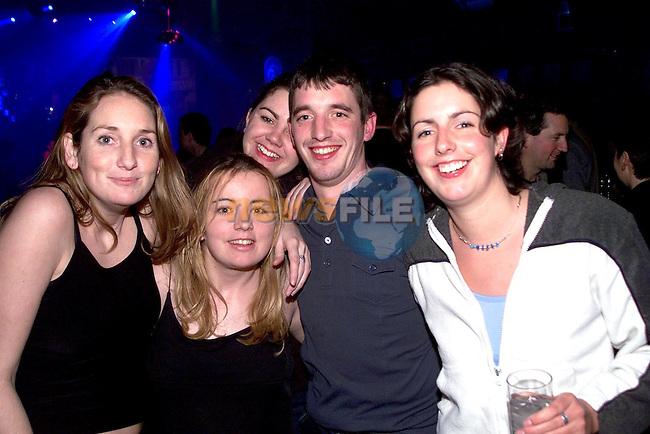 Maria Byrne, Kelly Ann McGorey, Shelly Durkin, Sarah English and Joe Byrne enjoying a night out in Soda nightclub..Picture Paul Mohan Newsfile..