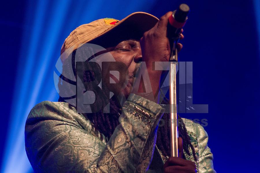 SAO PAULO, SP, 15.05.2015 - SHOW-SP - O artista da Costa do Marfím, Alpha Blondy durante show na Audio Club no bairro da Barra Funda, zona oeste de São Paulo na noite desta quinta-feira,14. (Foto: Renato Mendes/Brazil Photo Press)