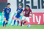Guangzhou Midfielder Zheng Zhi (R) in action against Suwon Midfielder Kim Jongwoo (L) during the AFC Champions League 2017 Group G match between Guangzhou Evergrande FC (CHN) vs Suwon Samsung Bluewings (KOR) at the Tianhe Stadium on 09 May 2017 in Guangzhou, China. Photo by Yu Chun Christopher Wong / Power Sport Images