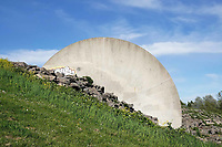 Nederland Spaarwoude  2019. Eén van de twee klimwanden in recreatiegebied Spaarnwoude.Tussen 1986 en 1992 werd in het Recreatiegebied Spaarnwoude, tussen Haarlemmerliede en Spaarnwoude, een klimwand- en schijvenproject aangelegd, naar een ontwerp van Frans de Wit. Foto Berlinda van Dam / Hollandse Hoogte