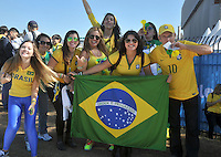 SAO PAULO - BRASIL -12-06-2014. Seguidores selección de fútbol de Brasil viven una fiesta previo al partido inaugural frente a Croacia en el estadio Arena de Sao Paulo de la Copa Mundial de la FIFA Brasil 2014./ Fans of Brazil National Soccer Team live a party, today 12 of June 2014, prior their inaugural match against Croatia at Arena Corinthians stadium the next Thursday 12 of June in the 2014 FIFA World Cup Brazil. Photo: VizzorImage / Alfredo Gutierrez / Contribuidor