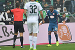 04.11.2018, Borussia Park , Moenchengladbach, GER, 1. FBL,  Borussia Moenchengladbach vs. Fortuna Duesseldorf,<br />  <br /> DFL regulations prohibit any use of photographs as image sequences and/or quasi-video<br /> <br /> im Bild / picture shows: <br /> gelbe Karte f&uuml;r Dodi Lukebakio (Fortuna Duesseldorf #20),  von Dr. Felix Brych (SR)<br /> <br /> Foto &copy; nordphoto / Meuter