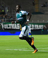 PALMIRA - COLOMBIA - 23 - 03 - 2018: Kevin Balanta, jugador de Deportivo Cali celebra el gol anotado a Leones F. C., durante partido entre Deportivo Cali y Leones F. C., de la fecha 10 por la liga Aguila I 2018, jugado en el estadio Deportivo Cali (Palmaseca) en la ciudad de Palmira. / Kevin Balanta, player of Deportivo Cali celebrates a scored goal to Leones F. C., during a match between Deportivo Cali and Leones F. C., of the 10th date for the Liga Aguila I 2018, at the Deportivo Cali (Palmaseca) stadium in Palmira city. Photo: VizzorImage  / Nelson Rios / Cont.