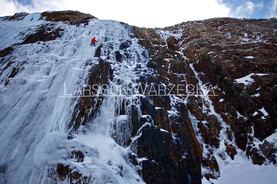 Andy Turner makes a Good Friday ascent of Cascade, WI5 in North Wales, UK