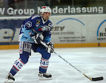 Eishockey, DEL, Deutsche Eishockey Liga 2003/2004 , 1.Bundesliga, Arena Nuernberg (Germany) Nuernberg Ice Tigers - Adler Mannheim (2:1 n.p.) Francois Groleau (Mannheim) am Puck