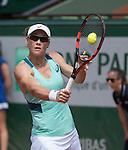 Samantha Stosur (AUS) defeated Lucie Safarova (CZE) 6-3, 6-7, 7-5