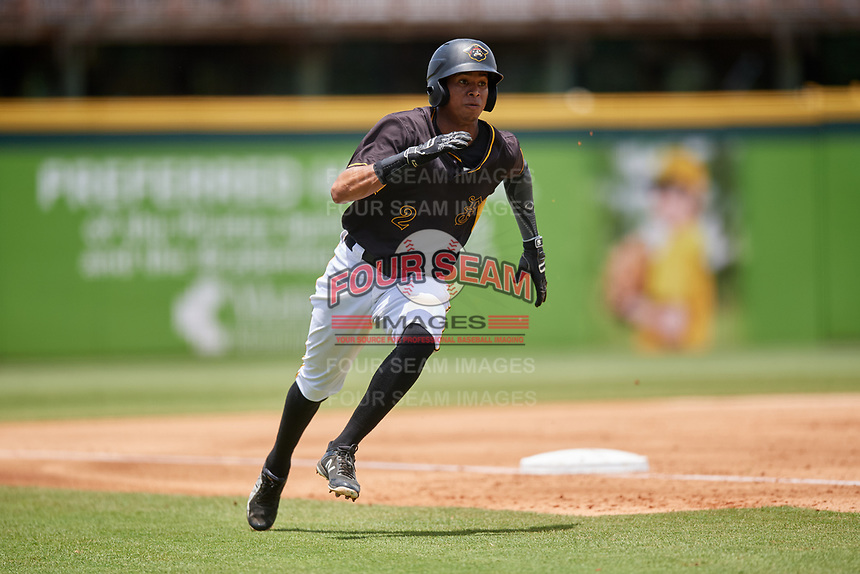 Bradenton Marauders second baseman Alfredo Reyes (2) rounds third base during the first game of a doubleheader against the Jupiter Hammerheads on May 27, 2018 at LECOM Park in Bradenton, Florida.  Bradenton defeated Jupiter 13-5.  (Mike Janes/Four Seam Images)