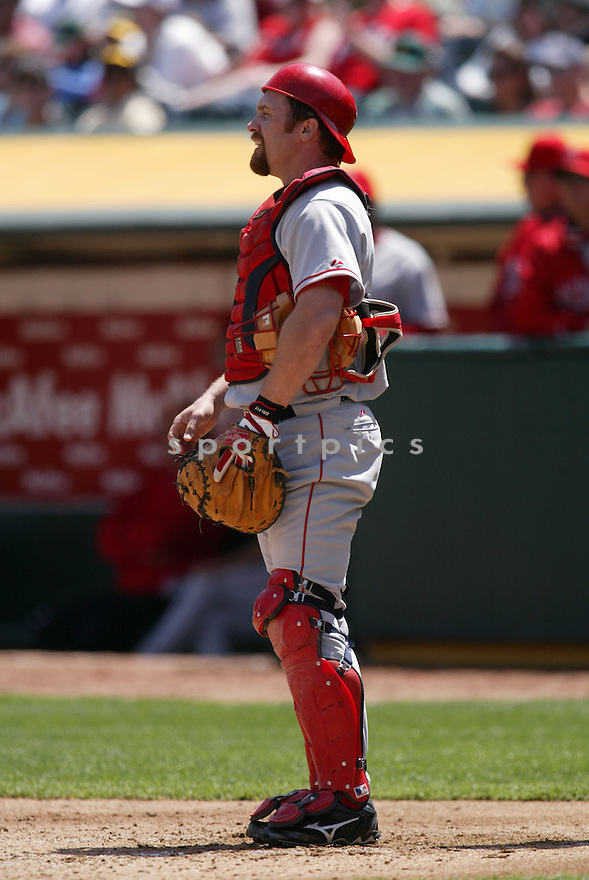 Josh Paul in action during the Los Angeles Angels v. Oakland Athletics game April 16, 2005.....Los Angeles Angels lost 0-1.....Rob Holt/ SportPics