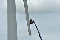 Building one of 8 wind turbines at Knabs Ridge, Harrogate....Copyright..John Eveson, Dinkling Green Farm, Whitewell, Clitheroe, Lancashire. BB7 3BN.01995 61280. 07973 482705.j.r.eveson@btinternet.com.www.johneveson.com