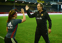 20170919 - LEUVEN , BELGIUM : Belgian assistant coach Kris Van Der Haegen pictured doing high five with Davinia Vanmechelen during the female soccer game between the Belgian Red Flames and Moldova , the first game in the qualificaton for the World Championship qualification round in group 6 for France 2019, Tuesday 19 th September 2017 at OHL Stadion Den Dreef in Leuven , Belgium. PHOTO SPORTPIX.BE | BELGA | DAVID CATRY