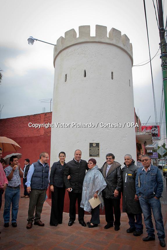 Quer&eacute;taro, Qro. 02 de julio de 2014.- El municipio capitalino restaur&oacute; la Garita de Portugal, una infraestructura que ha dado identidad a la colonia Lindavista, en el Centro Hist&oacute;rico de la ciudad.<br /> <br /> As&iacute; mismo entreg&oacute; la reci&eacute;n remodelada fuente de El Cmale&oacute;n en el el tambi&eacute;n tradicional Barrio del Tepetate<br /> <br /> Foto: Victor Pichardo / Cortes&iacute;a / Obture Press Agency.