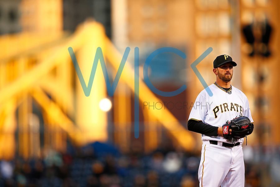 Jonathon Niese #18 of the Pittsburgh Pirates pitches against the St. Louis Cardinals during the game at PNC Park in Pittsburgh, Pennsylvania on April 5, 2016. (Photo by Jared Wickerham / DKPS)