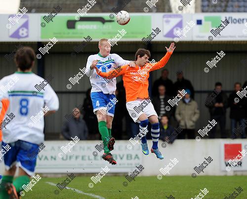 2013-12-08 / Voetbal / seizoen 2013-2014 / Nijlen - Zwijndrecht / Bram De Haes met Jans Dyck (r. Nijlen)<br /><br />Foto: Mpics.be
