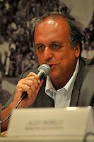 RIO DE JANEIRO, RJ, 09 DE MARCO 2012 - COPA 2014 - OBRAS MARACANA - ice-governador do Rio de Janeiro, Luiz Fernando Pezão,  durante coletiva de impresna após visita ao canteiro de obras do estádio Maracanã, na zona norte da cidade, que será o palco da final da Copa do Mundo de 2014. (FOTO: GLAICON EMRICH / BRAZIL PHOTO PRESS)