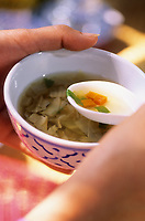 """Asie/Thaïlande/Env de Chiang Mai : Réception à la """"Mae Sa Valley Resort"""" - Soupe de choux, carotte et coriandre"""