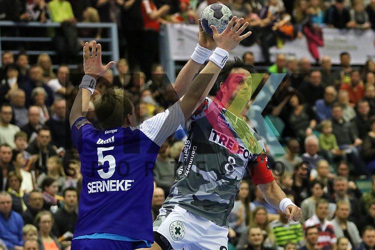 Kolding, 22.02.15, Sport, Handball, EHF Champions League, Grunppenspiel, KIF Kolding Kobenhavn - Alingsas HK : Max Darj (Alingsas HK, #5), Bo Spellerberg (KIF Kolding Kobenhavn, #8)<br /> <br /> Foto &copy; P-I-X.org *** Foto ist honorarpflichtig! *** Auf Anfrage in hoeherer Qualitaet/Aufloesung. Belegexemplar erbeten. Veroeffentlichung ausschliesslich fuer journalistisch-publizistische Zwecke. For editorial use only.