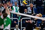 03.12.2017, Halle Berg Fidel, Muenster<br />Volleyball, Bundesliga Frauen, Normalrunde, USC MŸnster / Muenster vs. Rote Raben Vilsbiburg<br /><br />Block / Doppelblock Chiara Hoenhorst (#15 Muenster), usc05 - Angriff Leonie Schwertmann (#18 Vilsbiburg)<br /><br />  Foto &copy; nordphoto / Kurth