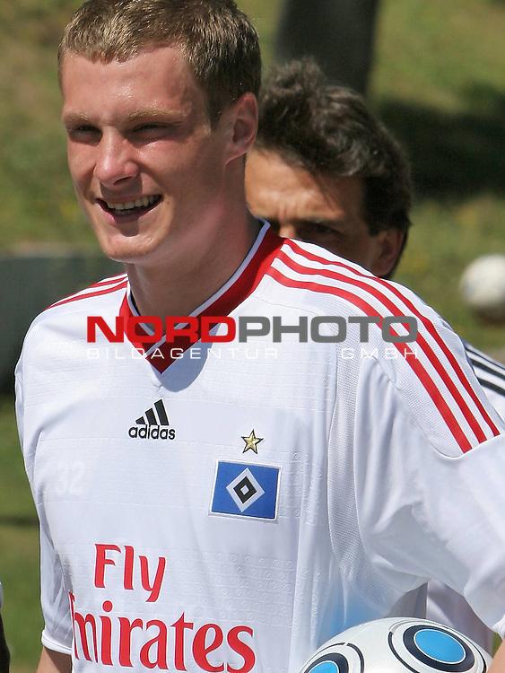 1.Liga FBL 2009/2010 HSV-Trainingsvorbereitung <br /> <br /> <br /> Marcell Jansen (Nr.7) im neuen HSV Trikot.<br /> <br /> <br /> <br /> Foto &copy; nph (nordphoto)<br /> <br /> *** Local Caption ***