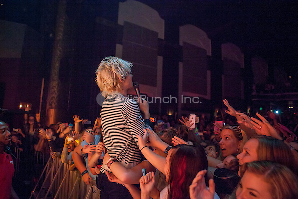 ROYAL OAK, MI - SEPTEMBER 21: R5 perform at the Royal Oak Music Theatre on Royal Oak, Michigan on September 21, 2014. Credit: mpi07/MediaPunch