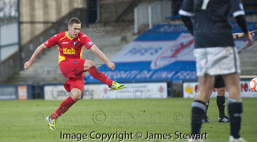 Pars' Stephen Husband scores Dunfermline's first ....