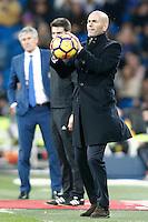 Real Madrid's coach Zinedine Zidane (r) and UD Las Palmas' coach Paco Herrera during La Liga match. March 1,2017. (ALTERPHOTOS/Acero) /NORTEPHOTOmex