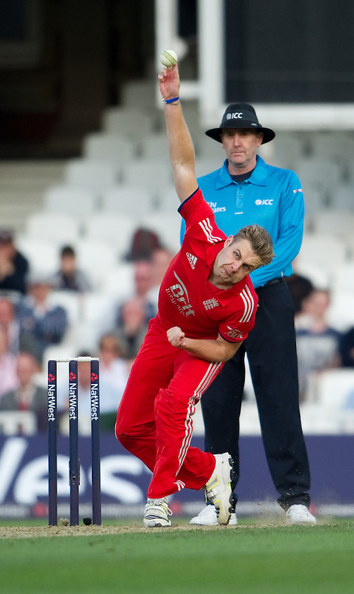England's Luke Wright <br /> <br />  (Photo by Ashley Western/CameraSport) <br /> <br /> International Cricket - NatWest International T20 Series - England v New  Zealand - Tuesday 25th June 2013 - The Kia Oval, London <br /> <br />  &copy; CameraSport - 43 Linden Ave. Countesthorpe. Leicester. England. LE8 5PG - Tel: +44 (0) 116 277 4147 - admin@camerasport.com - www.camerasport.com